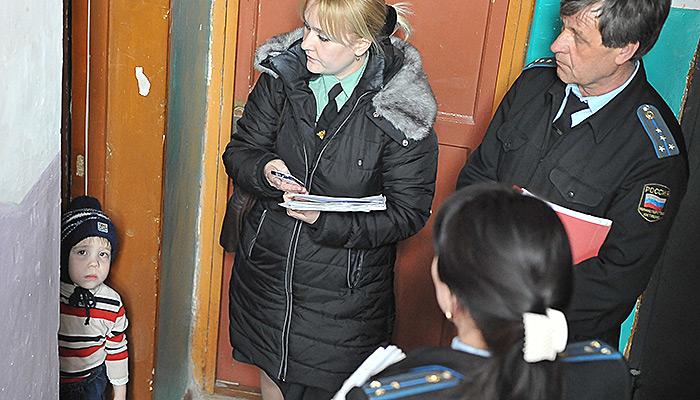 Впервую очередь детей в РФ изымают изсемей из-за бедности