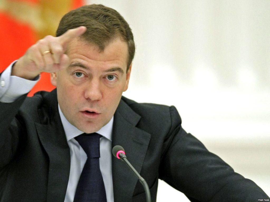 Медведев на совещании руководства сделал замечание Ткачеву