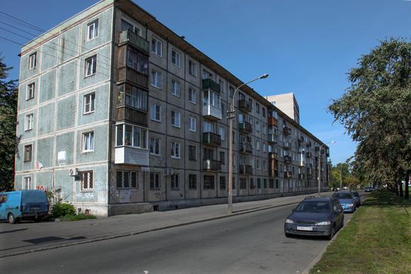 Пятиэтажки предложили сносить не только в Москве, но и в регионах