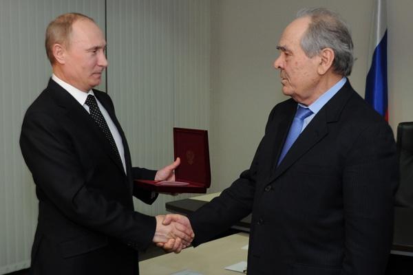 Владимир Путин вознаградит Героев труда