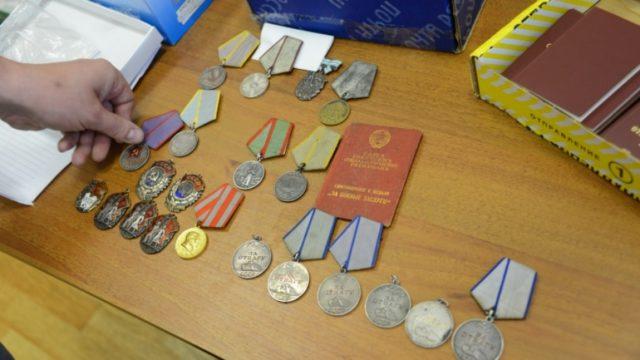 Жителя Казани осудили засбыт государственных наград СССР