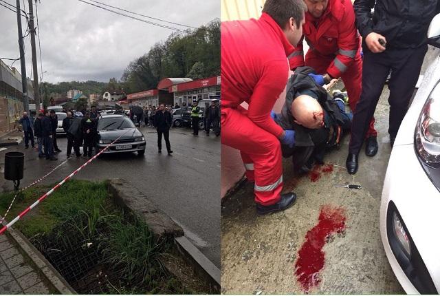 ВСочи шофёр три раза ударил ножом сотрудника ДПС