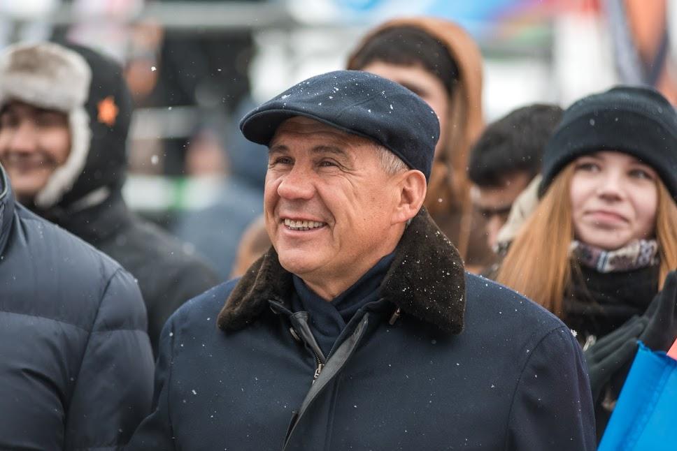 Рустам Минниханов поздравил татарстанцев сДнем космонавтики
