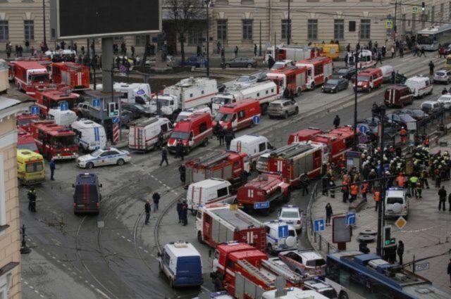 Поисково-спасательные работы наместе взрыва впетербургском метро завершены