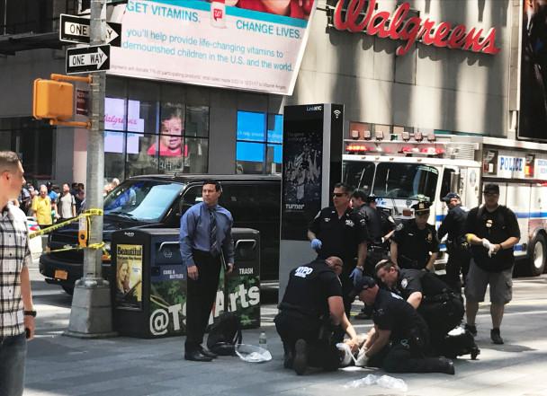 Виновнику наезда напешеходов вНью-Йорке предъявлены обвинения вубийстве