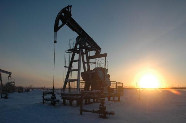 Нефть побила апрельский рекорд $53