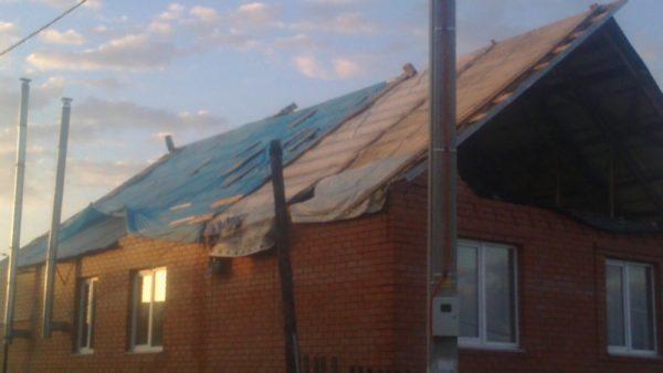 ВЧеремшанском районе Татарстана шторм сорвал крыши зданий