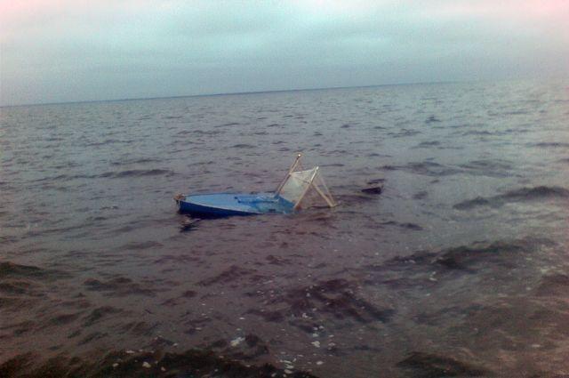 ВТатарстане наВолге перевернулась моторная лодка слюдьми
