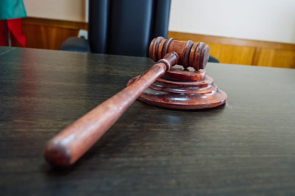 ВТатарстане осудят группу мошенников, похитивших срезультатом умерших 7 млн руб.