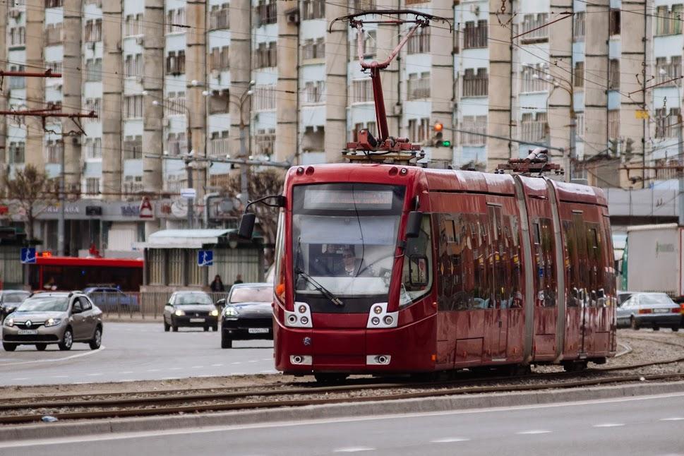 ВКазани автобус врезался втрамвай