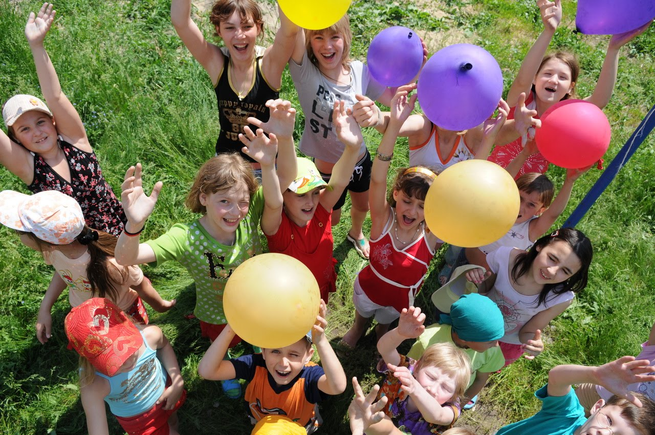 Организация детских праздников Школьная улица (рабочий поселок Киевский) детские праздники Береговая улица (деревня Лаптево)