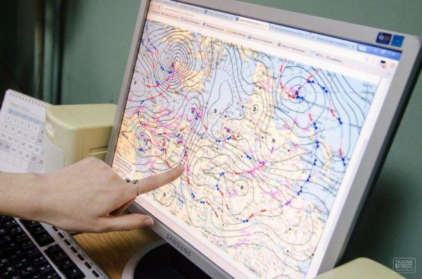 Синоптики снова предупреждают осильном ветре идожде