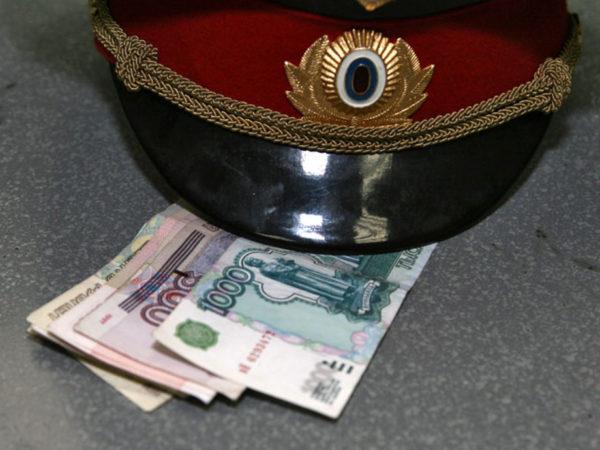 Шофёр изТатарстана пытался подкупить автоинспектора вУльяновской области
