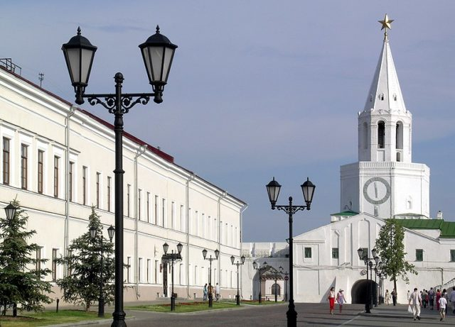 ВКазани будут судить мужчину, разрисовавшего стену Казанского кремля
