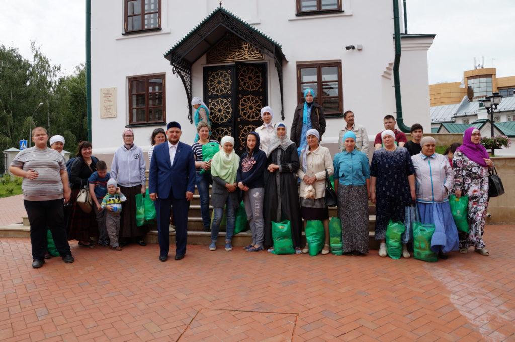 ВКазани нуждающимся раздали полторы тонны продуктов