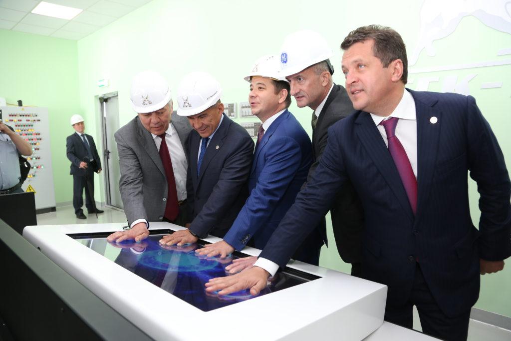 Рустам Минниханов наКазанской ТЭЦ-3 запустил самую сильную турбину в Российской Федерации