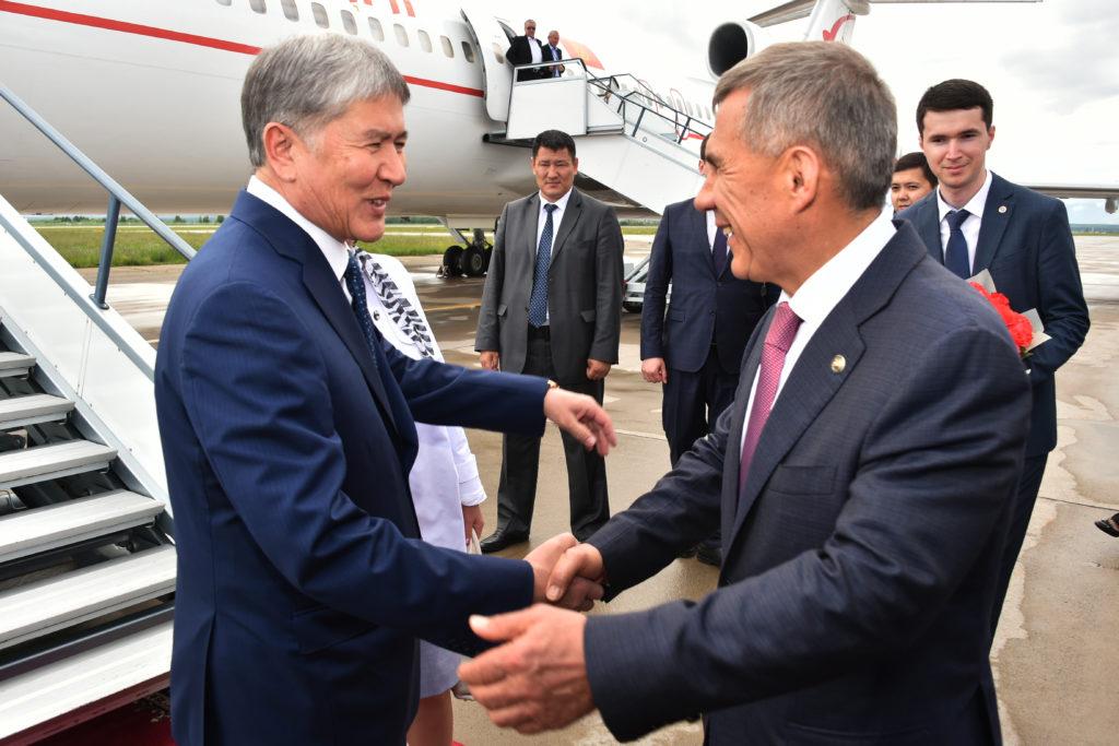 ВКазань прилетел президент Киргизии