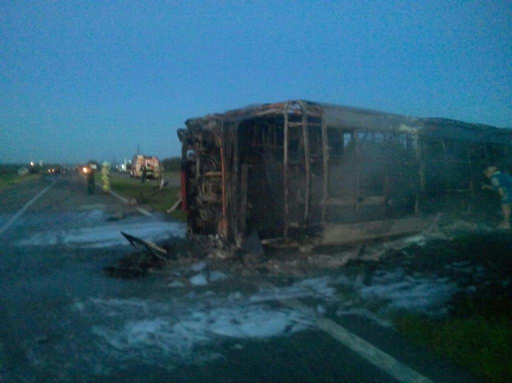 13 человек стали жертвами чудовищного столкновения автобуса и фургона вТатарстане