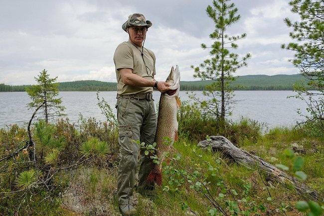 Путин нарыбалке восхитил Запад физической формой
