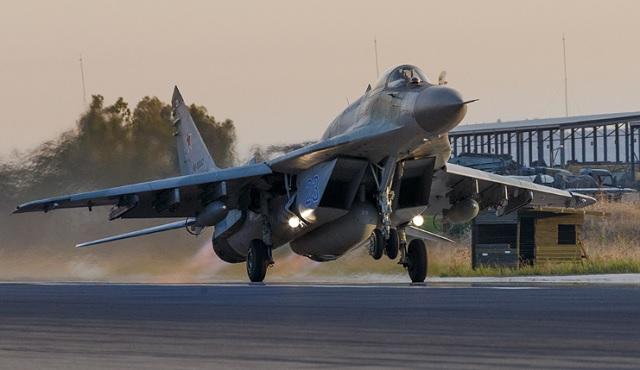 Русские истребители уничтожили неменее 96 тыс. объектов террористов вСирии