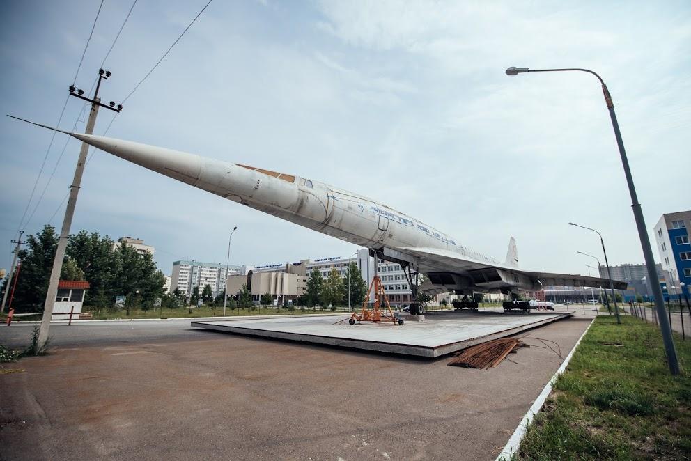 Ту-144 около здания КНИТУ-КАИ подсветят при помощи 39 светодиодных светильников