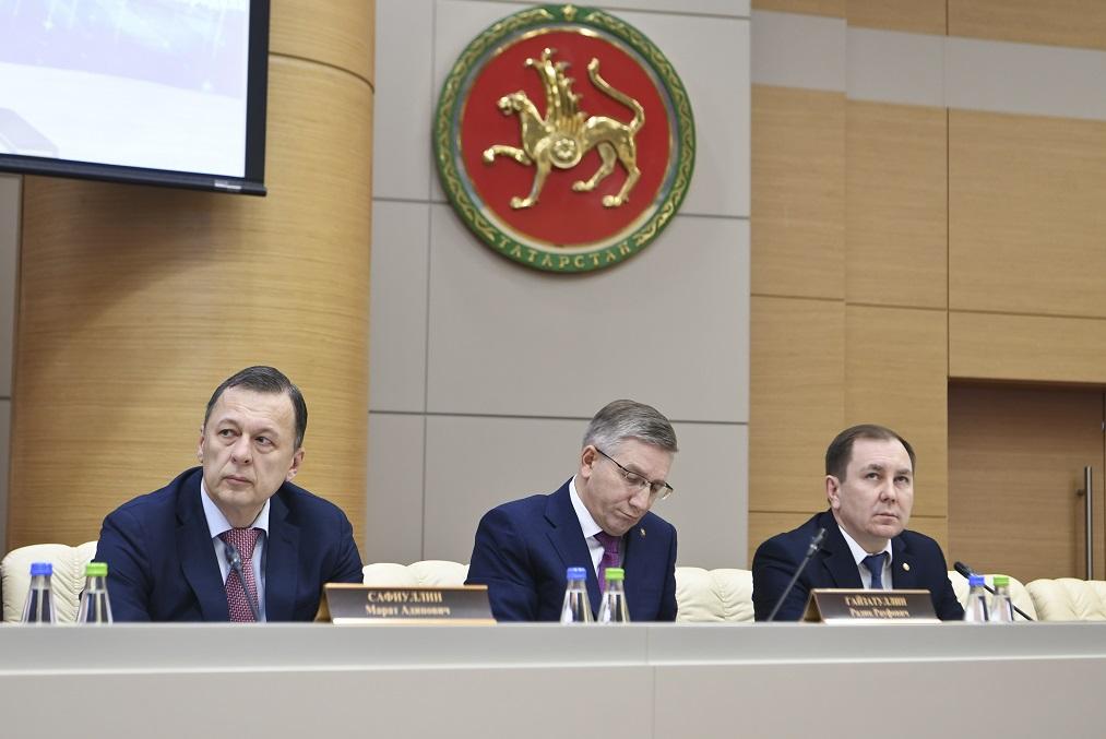 Москва сообщает вфедеральный бюджет около одного триллиона руб. налогов